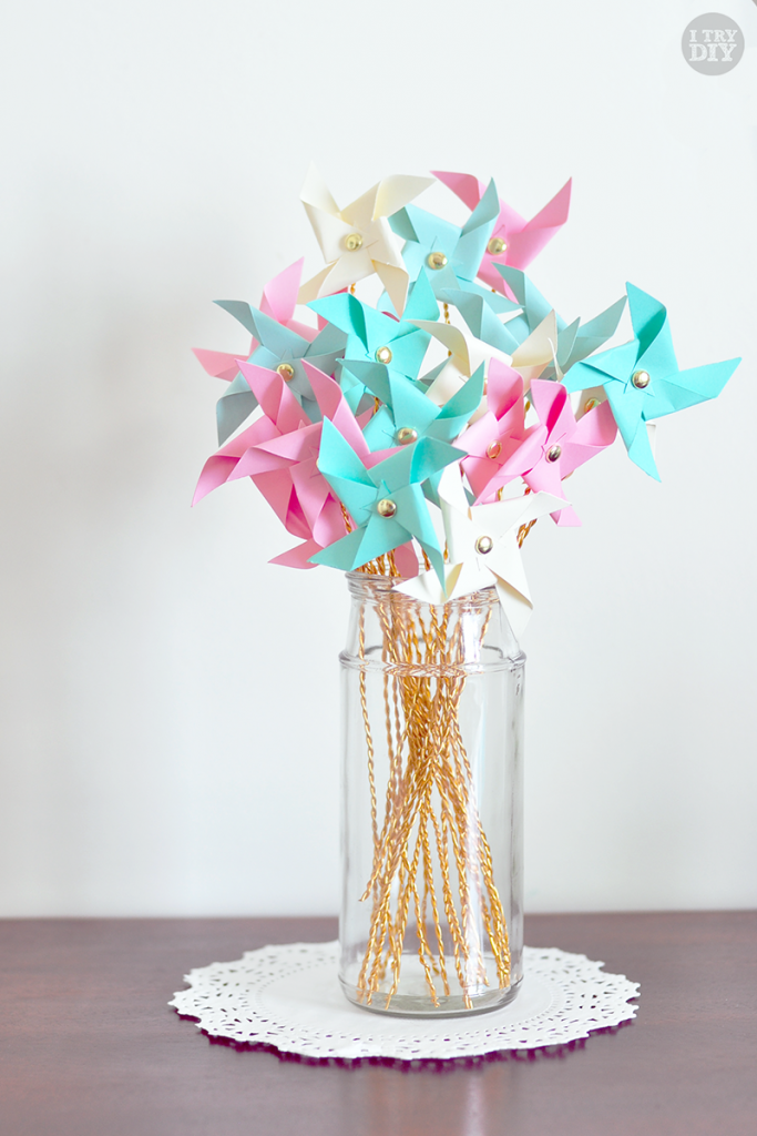 I Try DIY   Mini Pinwheel Bouquet