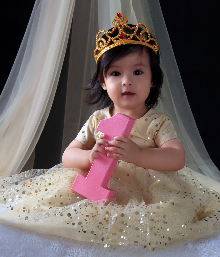 I Try DIY | Princess Nataniella Pierette's First Royal Bash!